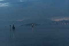 Nebel in der Bucht von Finnsnes